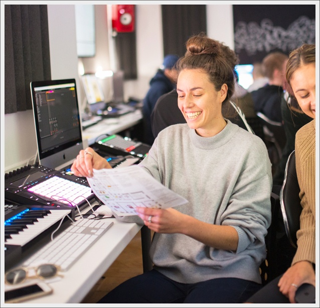Girl producers school of electronic music