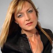 BBC - DJ Mary Anne Hobbs
