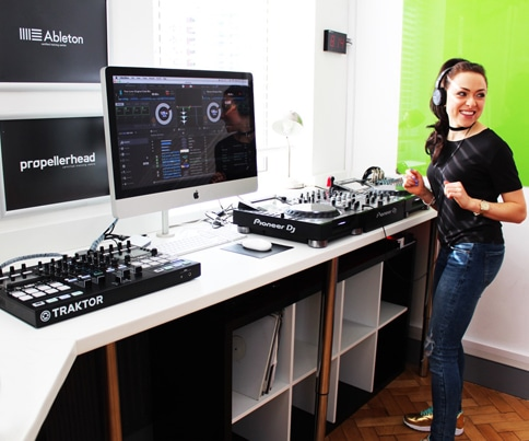 Girls DJing school of electronic music