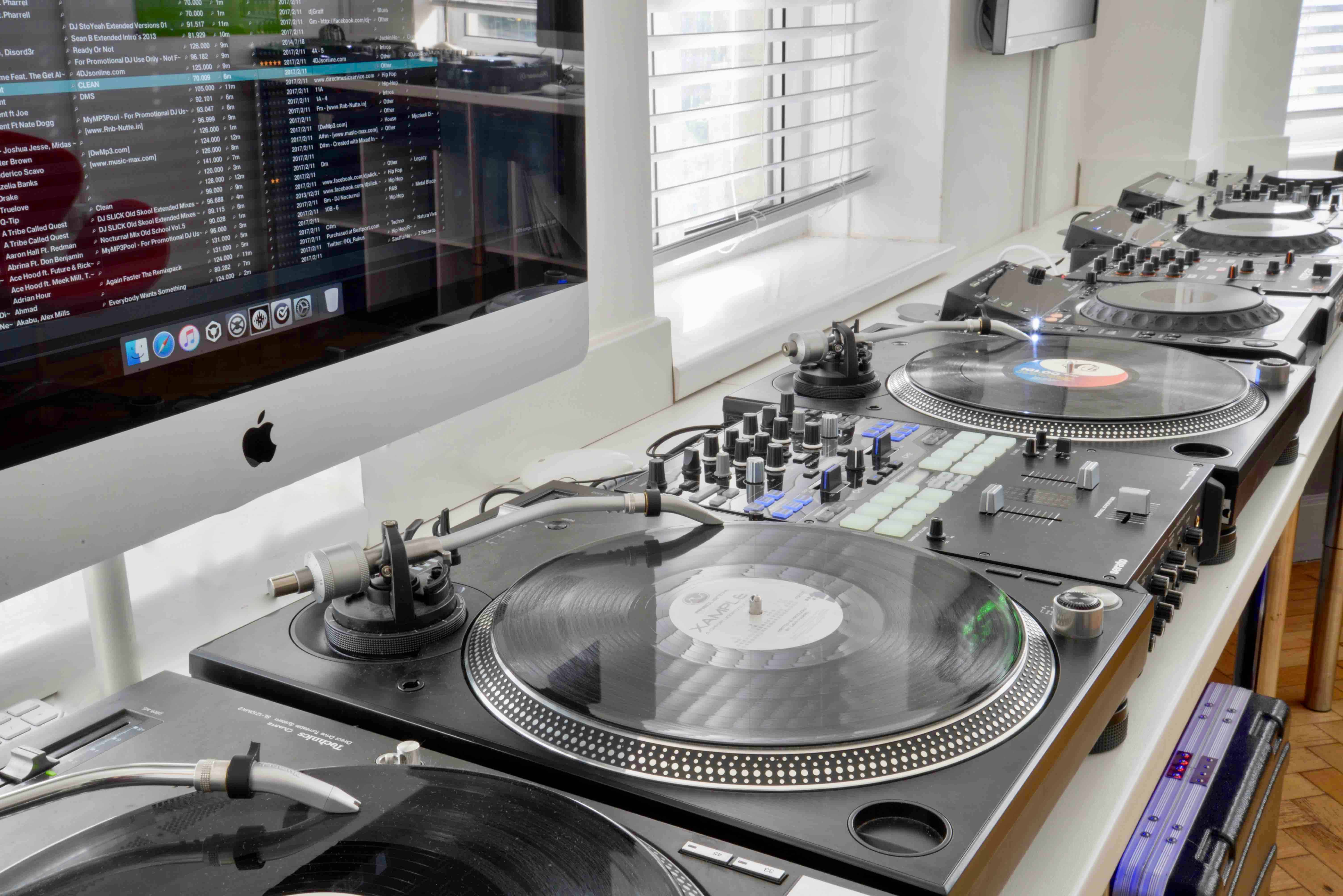 DJ Scratch Lab | Learn from DMC Champions | School of Electronic Music
