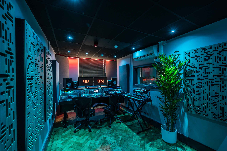 SEM Studio 2A 4V2