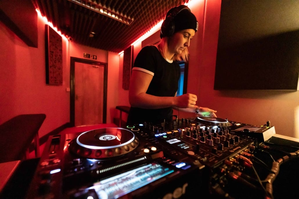 SEM DJ Lab 2 20V2